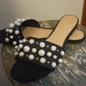 Pearl detailed sandals